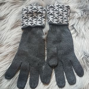 Michael kors gray and charcoal gloves